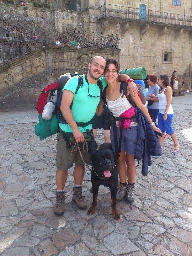 Misión cumplida! : Gabi, Santo e Inés en el Obradoiro.